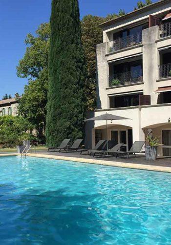 Prieuré Beaumanière - La piscine