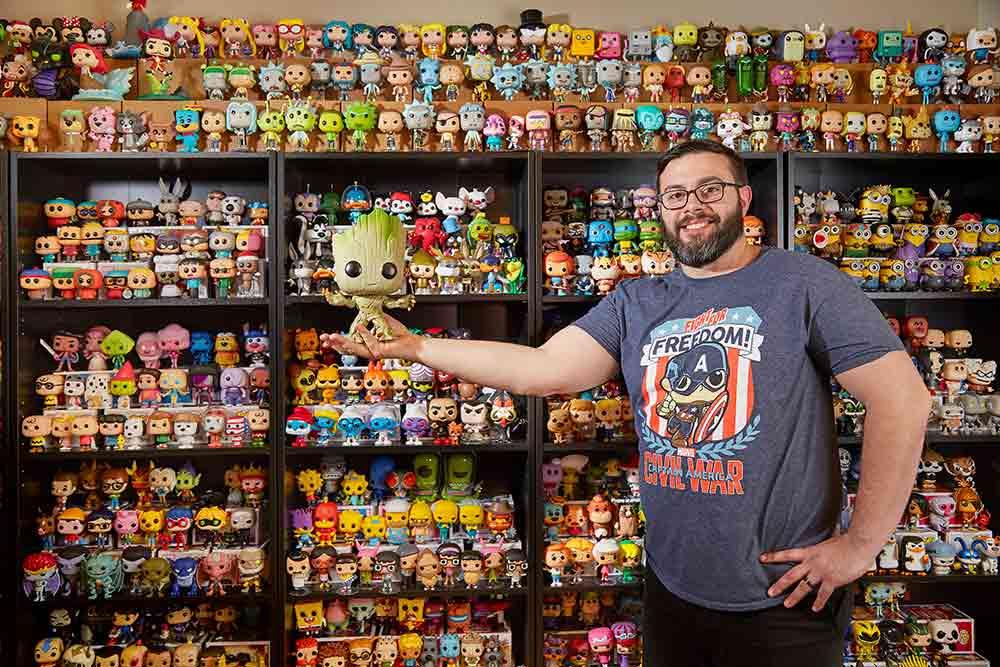 La collection de Paul Scardino (USA) comptait 4 475 poupées en plastique à tête mobile à Winchester City (Virginie).