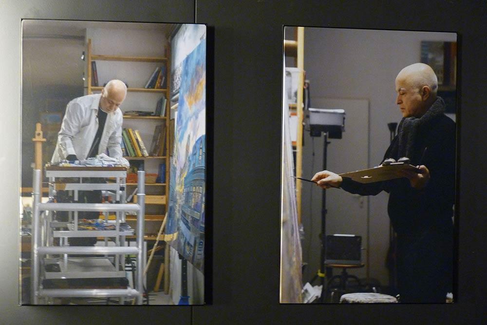 Yadegar Asisi en train de préparer la grande toile panoramique