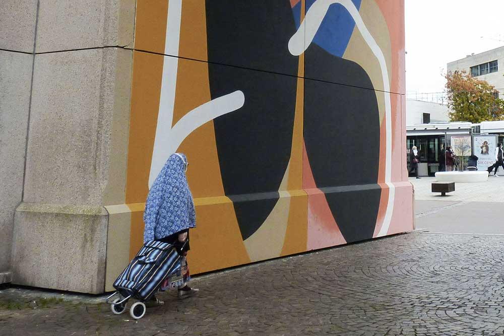 Détail de «Vertigo» par Claude Blo Ricci, arcade de la place de Hanovre.