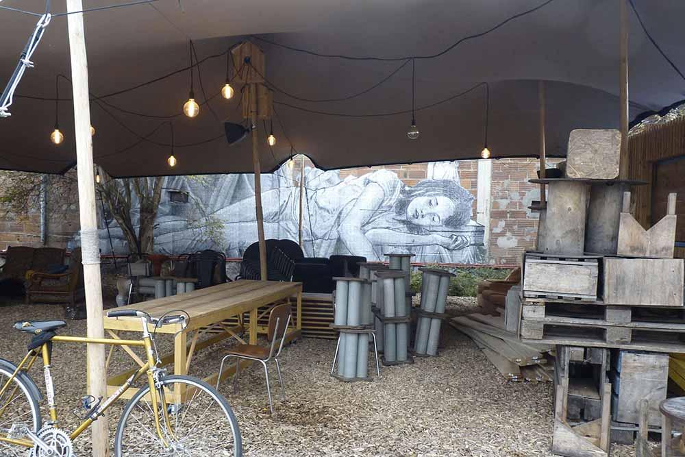 Rouen -Petit salon à la Friche Lucien