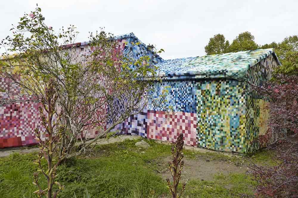 Rouen - La Maison Sourire couverte de tricot par Citémômes et Mathilde Milot.