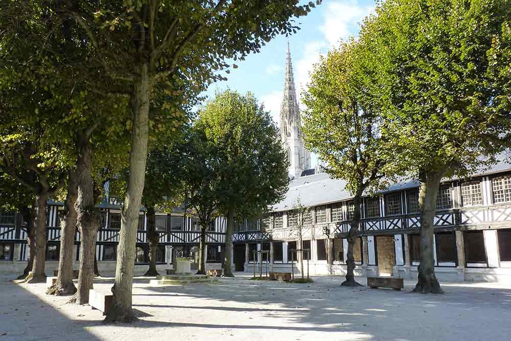 Rouen - L'aître Saint-Maclou