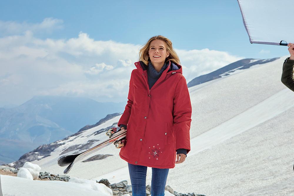 Veste de ski à capuche rouge