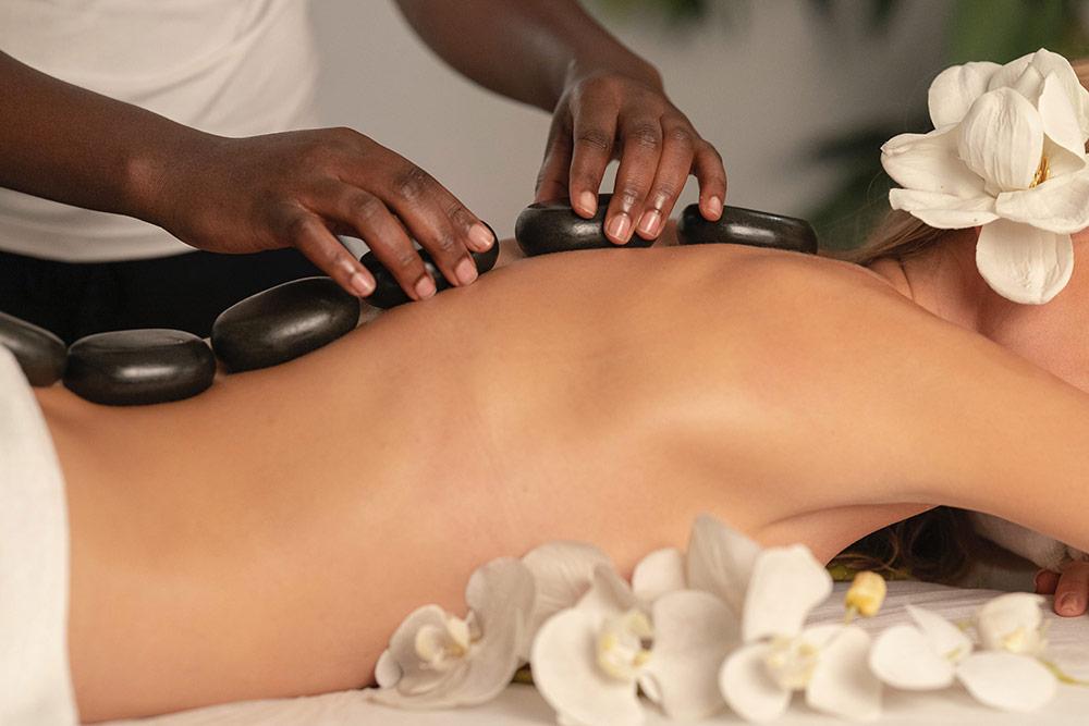 Massage - aux pierres chaudes