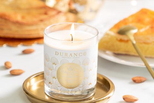 Durance : une bougie parfumée à la frangipane avec une fève à l'intérieur !