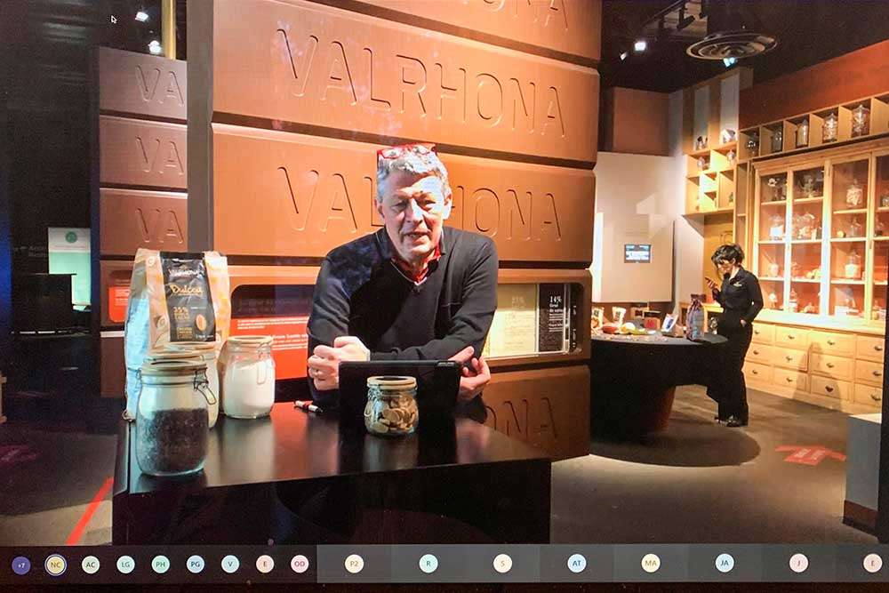 La côté du Chocolat - Franck Vidal, le directeur de Valrhona nous a accueilli pour la première visite (Photo d'écran).