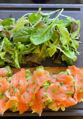 Monsieur - Une salade au saumon