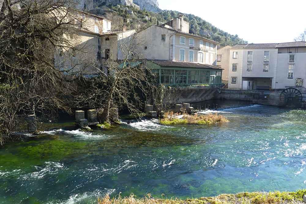 L'Iles-sur-la-Sorgue : la Fontaine du Vaucluse
