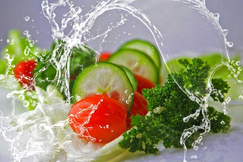 Bien laver les légumes et les fruits avant de les manger