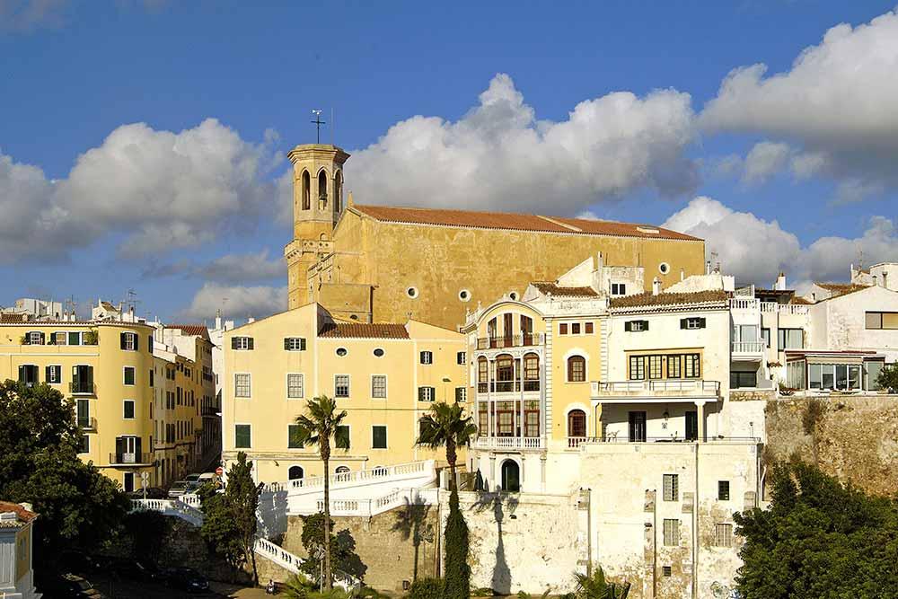 Minorque - Mahon et l'église de Santa Maria
