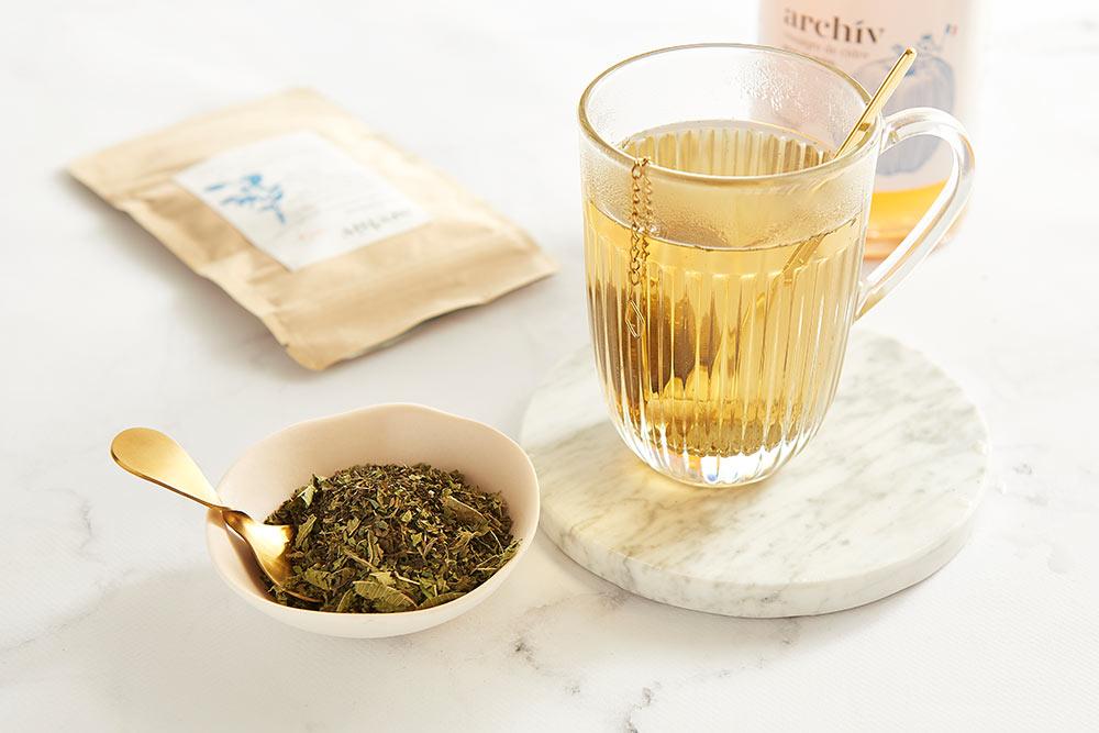 Archiv - un vinaigre de cidre avec sa mère qui est bon pour notre santé et pour cuisiner
