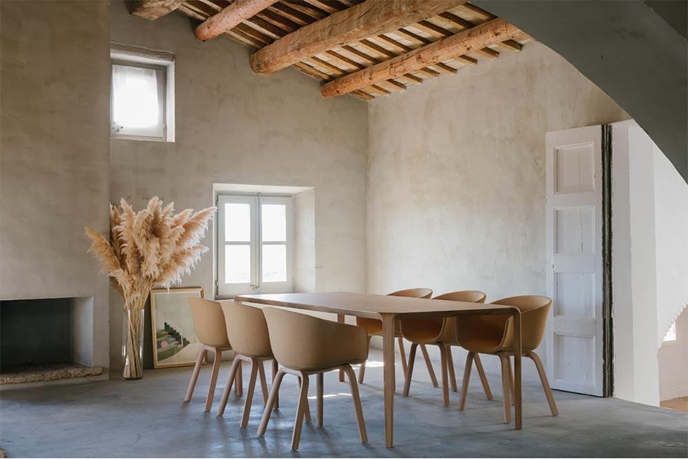 Ondarreta Brandbook - des meubles naturels et confortables