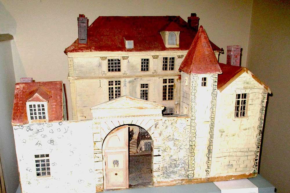 La maison telle qu' elle était au XVII s, maquette de 1939