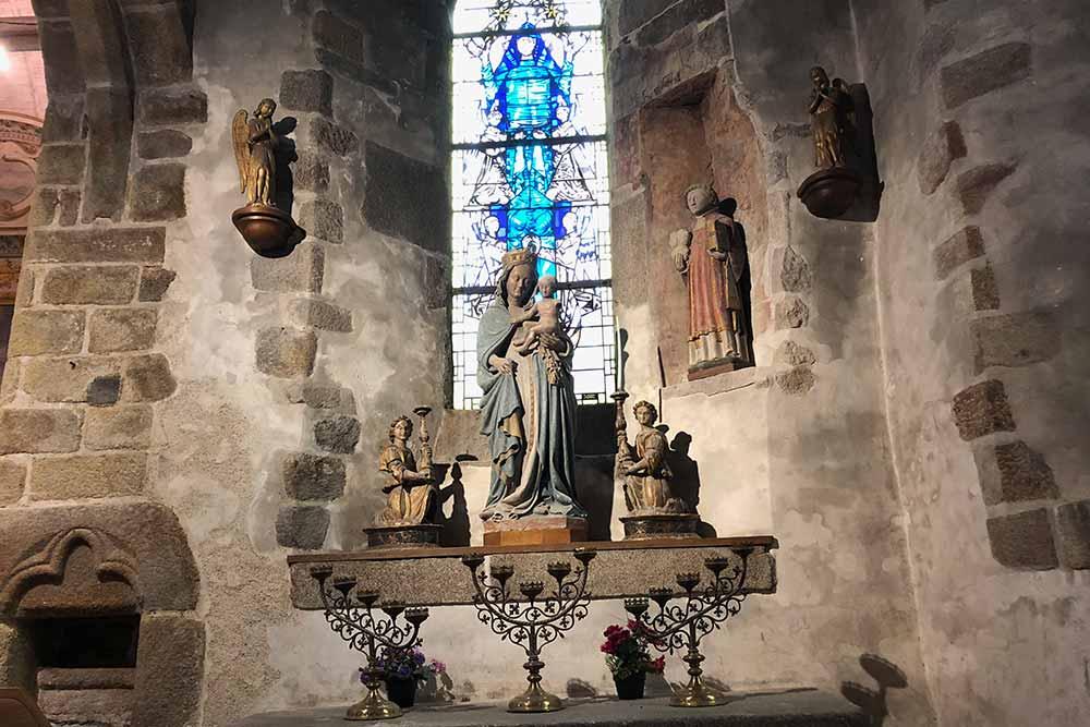 Eglise St Pierre : La vierge Marie