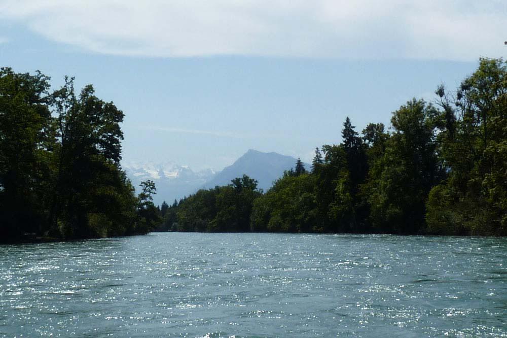 Suisse - Aar, Bere : Vue sur les montagnes depuis le bateau