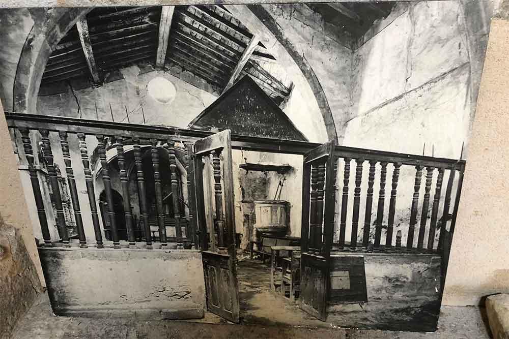 Une vielle photo qui montre l'intérieur de l'Eglise voici bien des années.